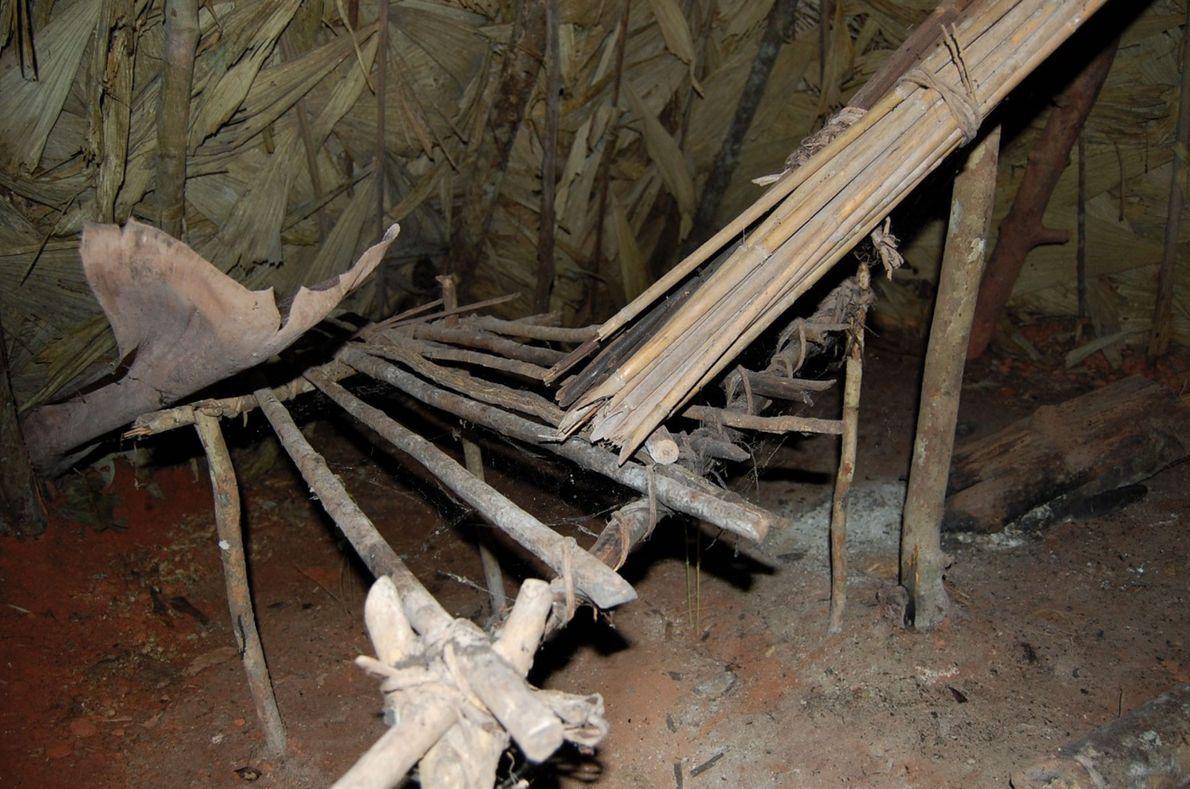 Ein Blick in eine Hütte des Überlebenden.