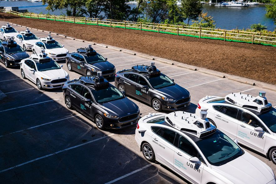 Selbstfahrende Autos wie diese im Uber Advanced Technologies Center in Pittsburgh in Pennsylvania, USA, könnten die ...