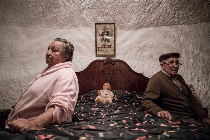 Piedad Mezco und Antonio Ortiz haben ihr gesamtes Leben in den Höhlen von Guadix verbracht. Sie ...