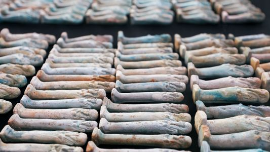 Einblicke in neu entdeckten, altägyptischen Friedhof
