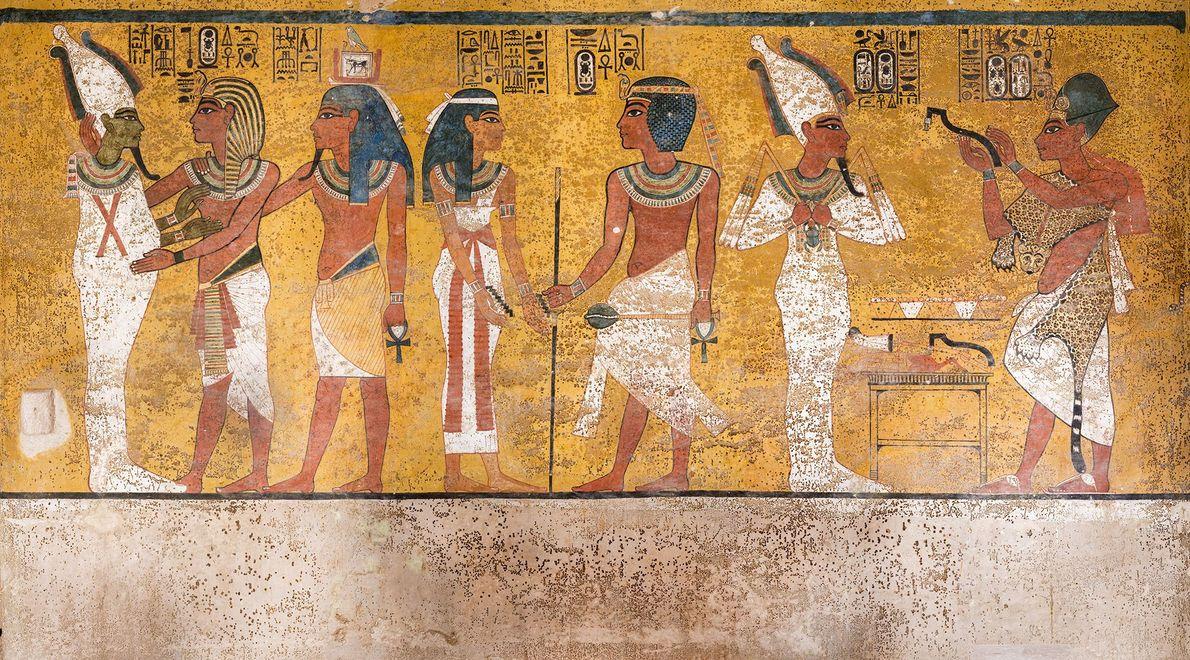 Auf diesem Wandbild an der Nordwand von Tutanchamuns Grabkammer sind die braunen Flecken erkennbar, die vermutlich ...