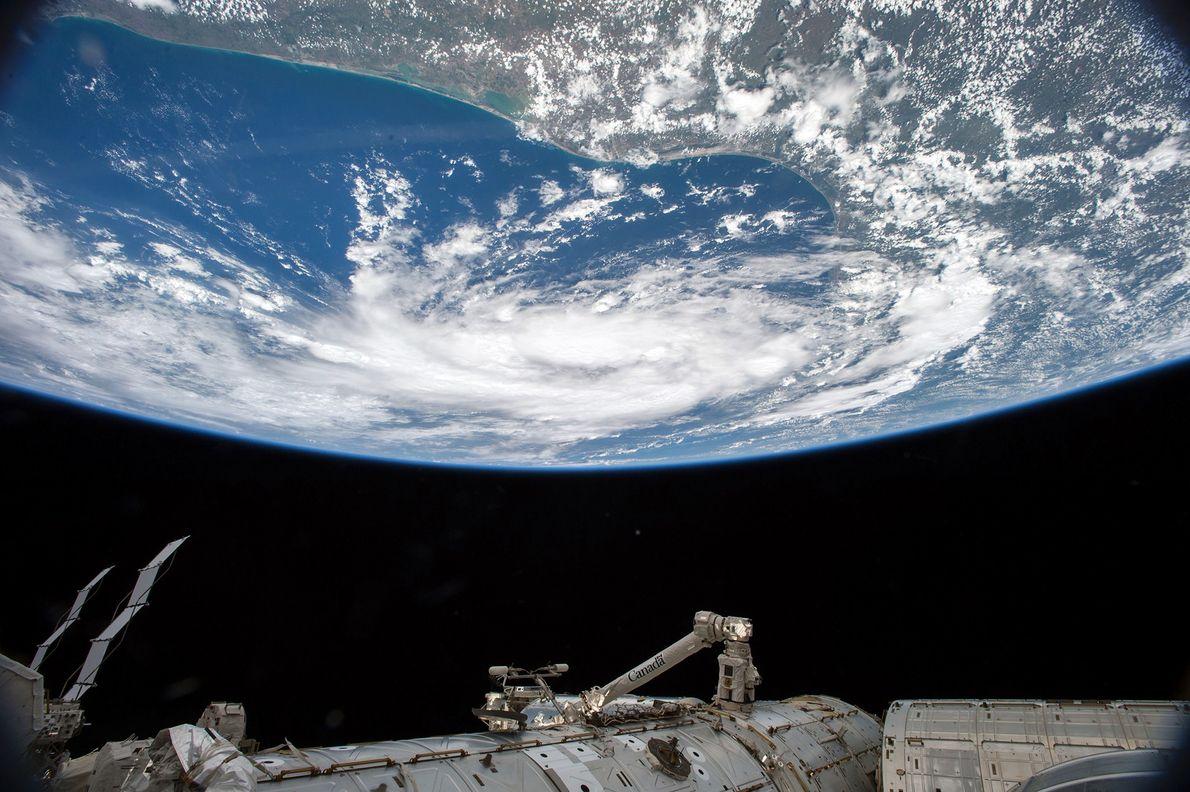 Am 15.Juni 2015 nahm Kelly den Tropensturm Bill im Golf von Mexiko auf, als dieser sich …