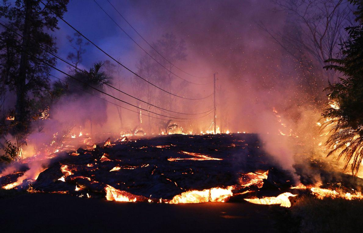 Im Jahr 2018 gipfelte die seit über drei Jahrzehnten beinahe regelmäßigen Ausbrüche des Kīlauea auf Hawaii ...