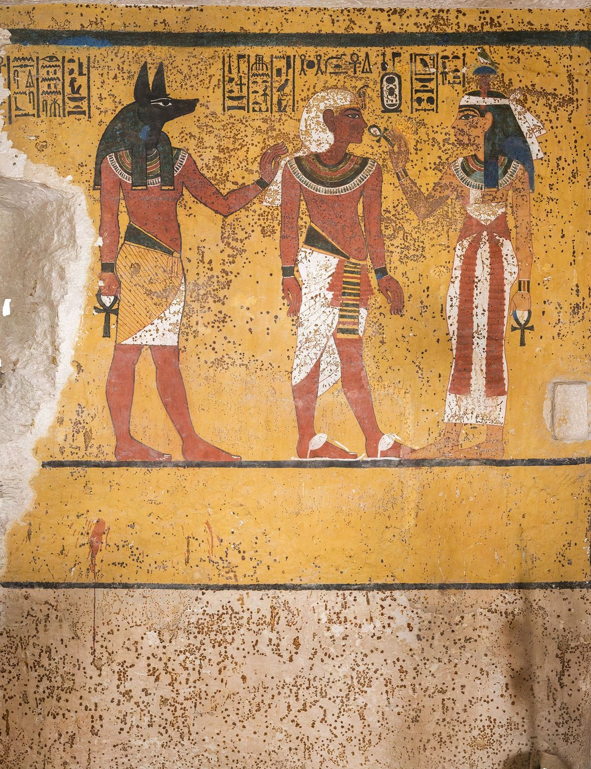 Ein Abschnitt der Südwand in Tutanchamuns Grabkammer wurde beschädigt, als Howard Carter in den 1920ern die ...