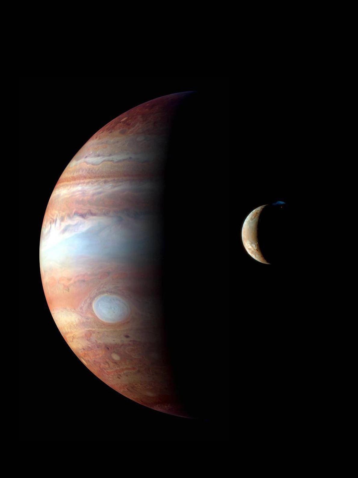 Im Februar 2007 flog New Horizons am Jupiter und seinem vulkanisch aktiven Mond Io vorbei. In ...