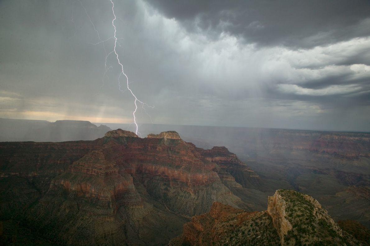 07_epic_summer_storms_lightning