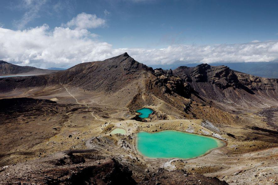 8. NEUSEELAND Die Emerald Lakes funkeln im Tongariro Nationalpark, Neuseeland.