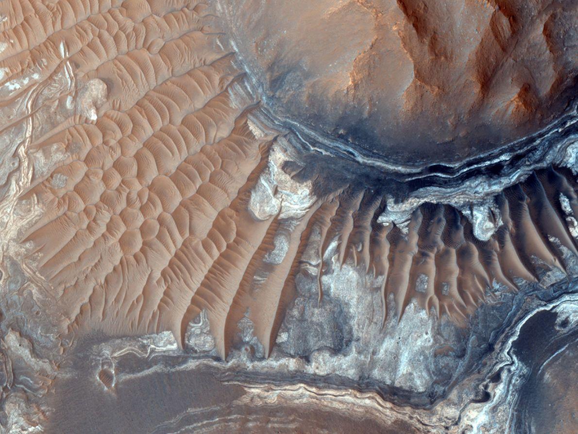 Sanddünen am Boden von Aram Chaos