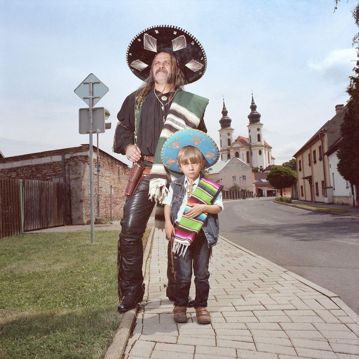 Vater und Sohn mit Sombrero