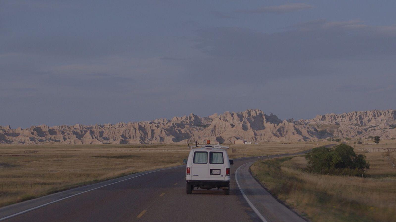 Filmische Einblicke in das Leben moderner Nomaden in den USA.