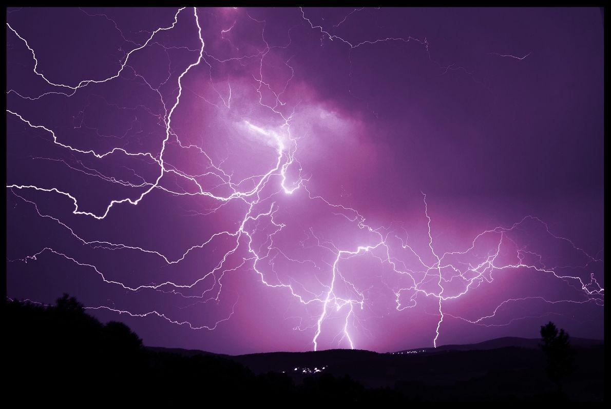 08_epic_summer_storms_lightning