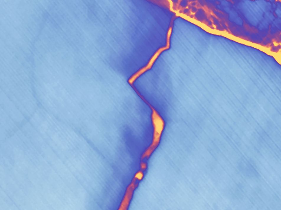 Galerie: Nachtaufnahmen offenbaren Risse im Schelfeis der Antarktis