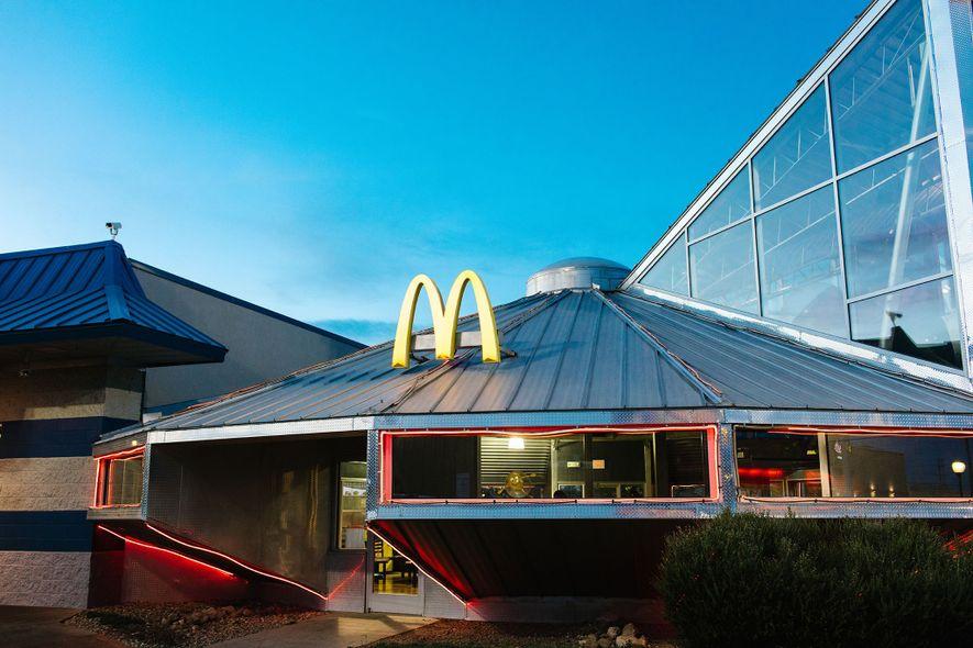 Die weltweit einzige McDonald's-Filiale in Form eines UFOs steht in Roswell, New Mexico.