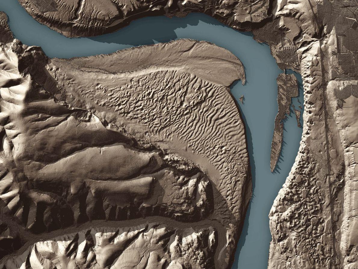Riesige Wellen, die am Boden durch Überschwemmungen entstanden, werden wie hier im Osten von Washington durch ...