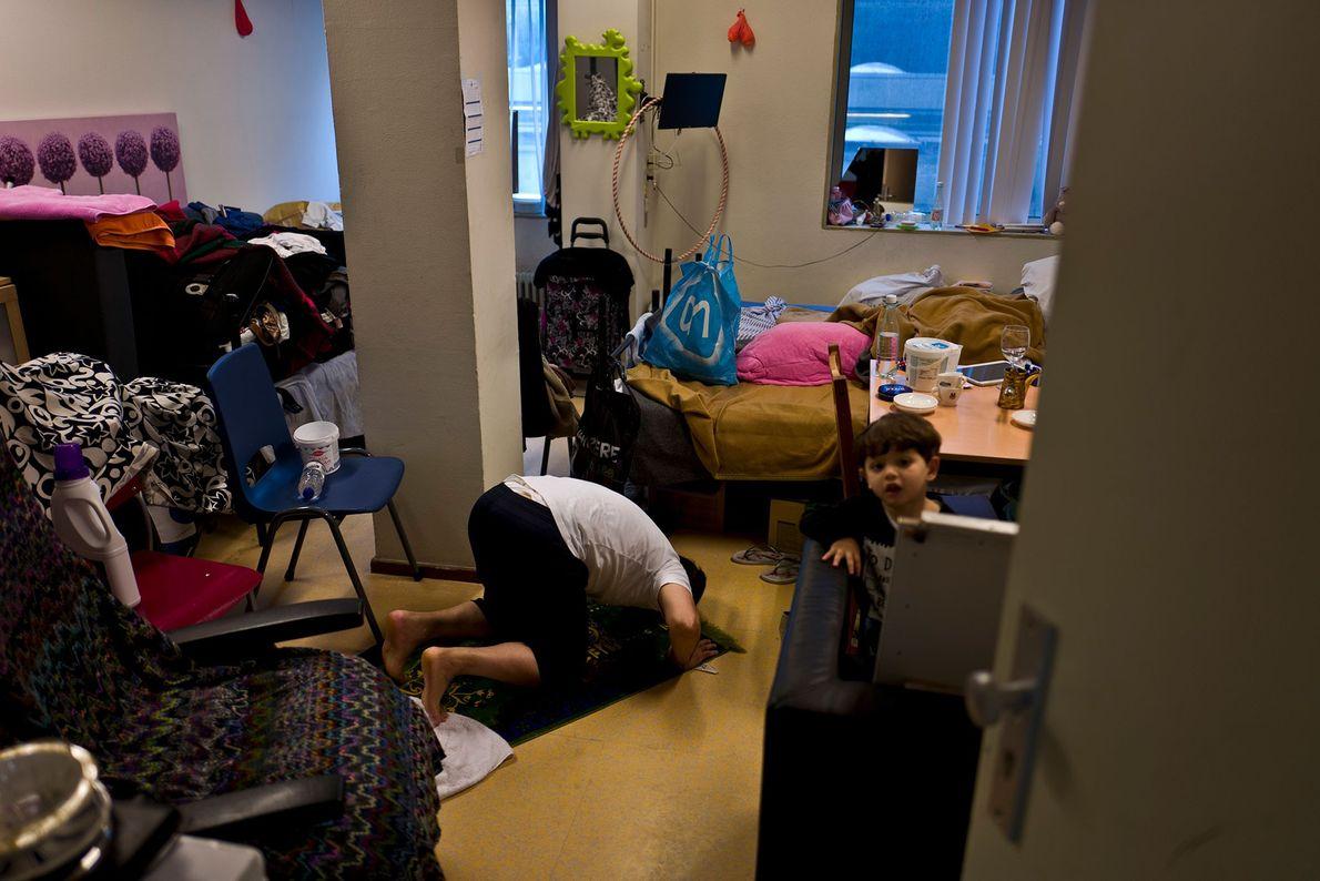 Einblick in Zimmer geflüchteter Frauen