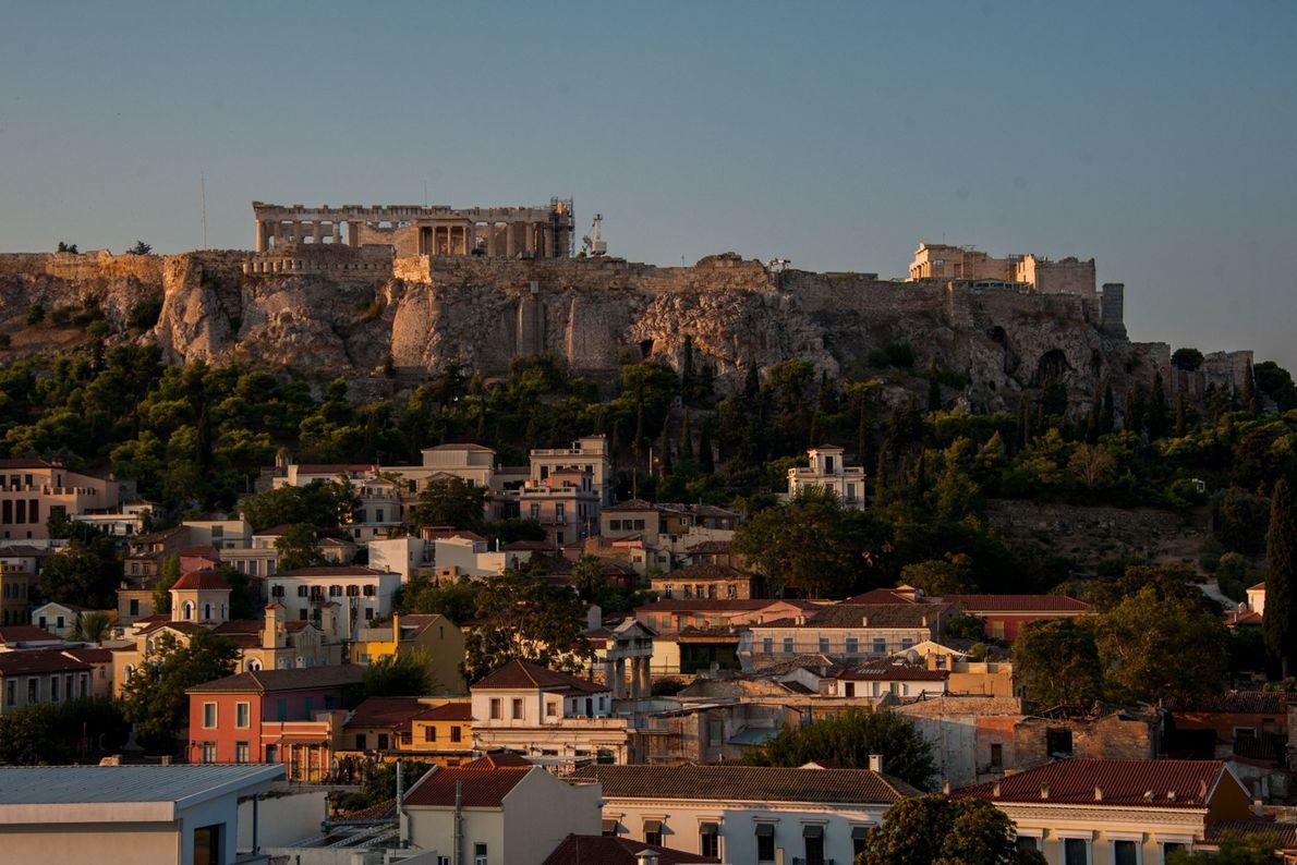 Die heute noch erhaltenen Gebäude auf dem Akropolis-Hügel wurden etwa 1.000 Jahre nach der mykenischen Herrschaft ...