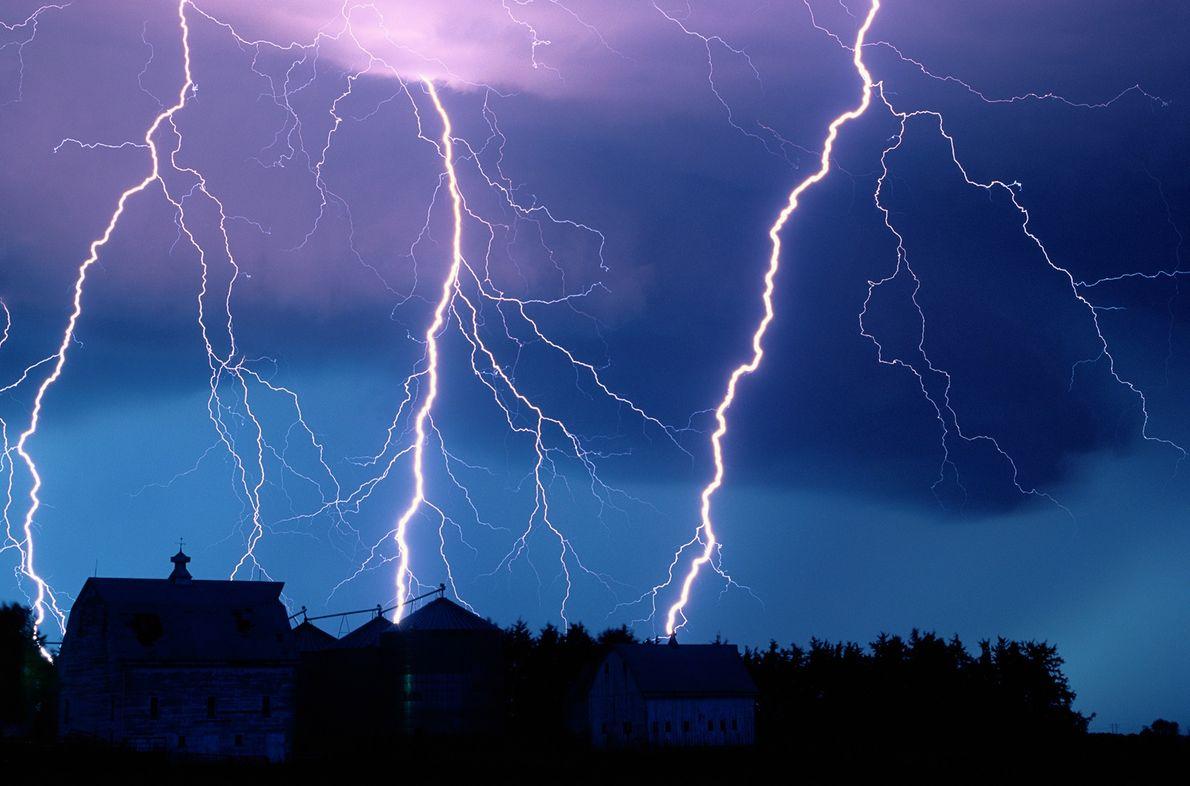 11_epic_summer_storms_lightning