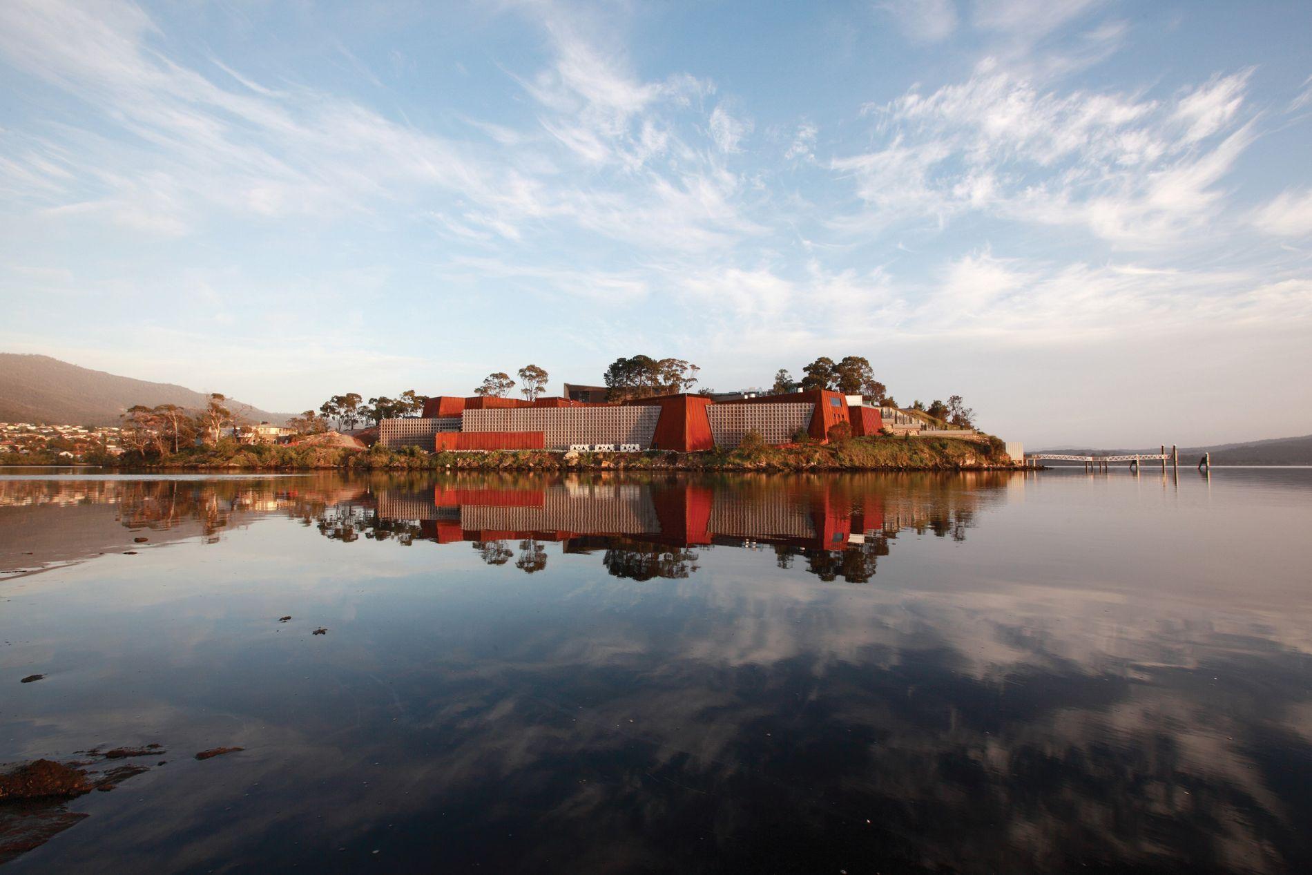 Das Museum of Old and New Art (MONA) befindet sich in Hobart, der Hauptstadt Tasmaniens.