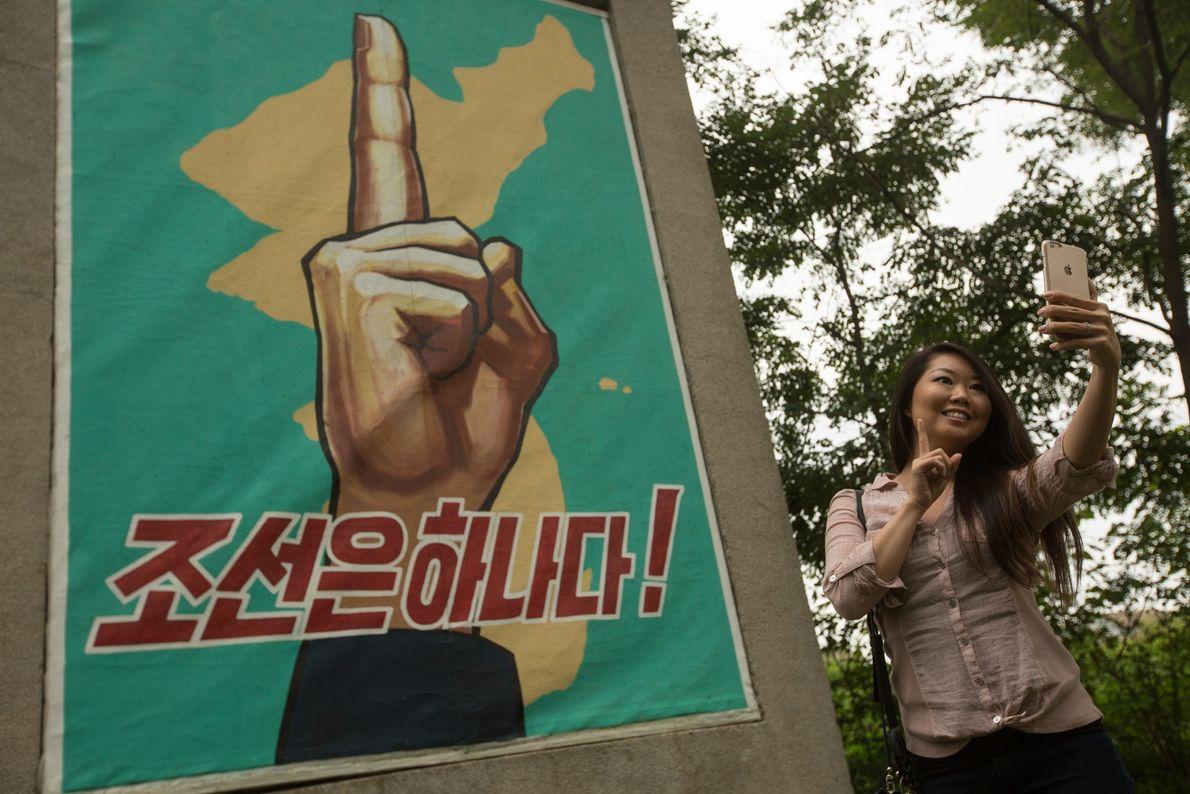 Selfie vor Propagandadenkmal