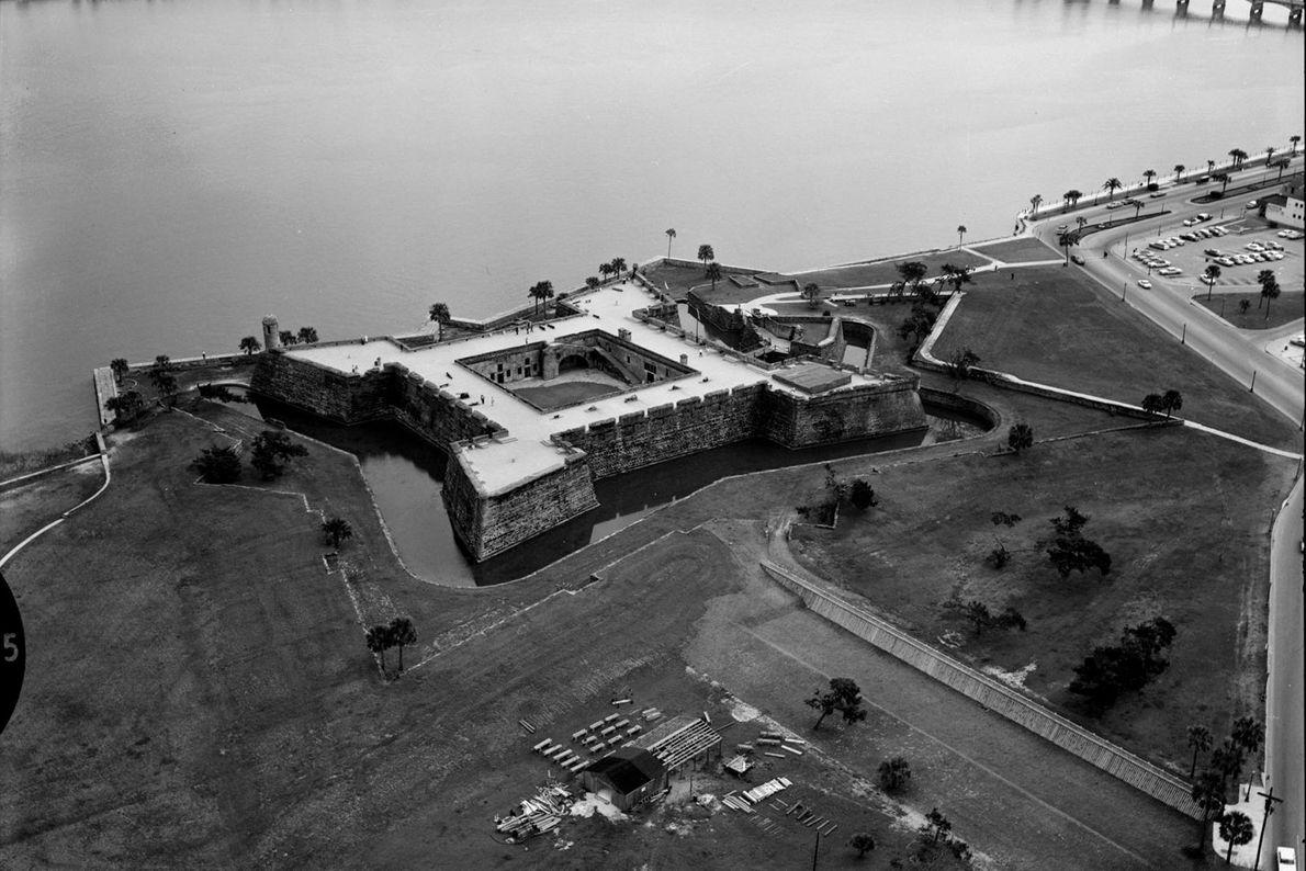 Eine frühe Luftaufnahme zeigt das Castillo de San Marcos in Florida