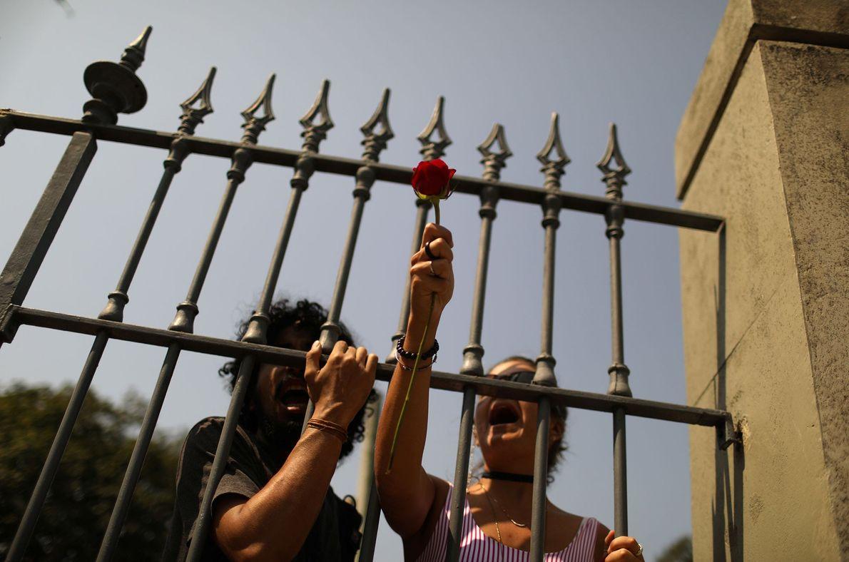 3. September: Protestierende Demonstranten vor dem Nationalmuseum.