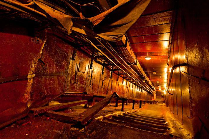 """Die """"schiefe Treppe"""" im Reaktor 4"""