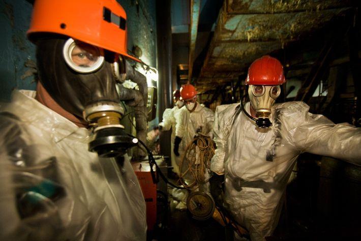 Arbeiter in Reaktor 4