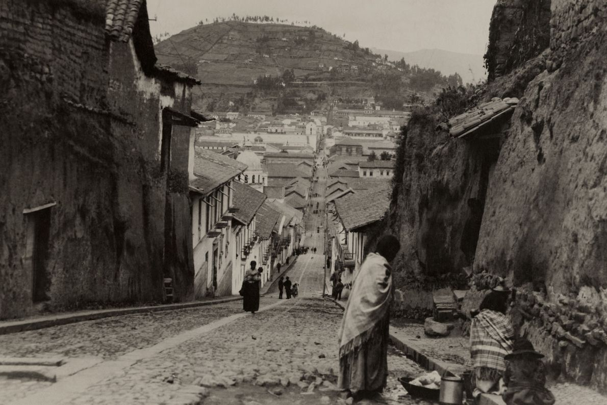Diese Aufnahme von Quito entstand 1921, fast 3.500 Jahre nach der Gründung des ersten Dorfes auf ...