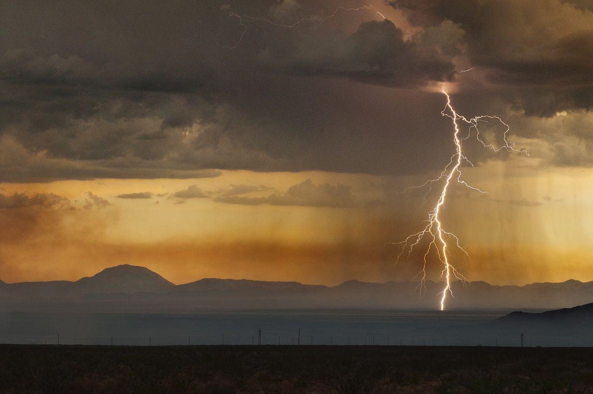 15_epic_summer_storms_lightning
