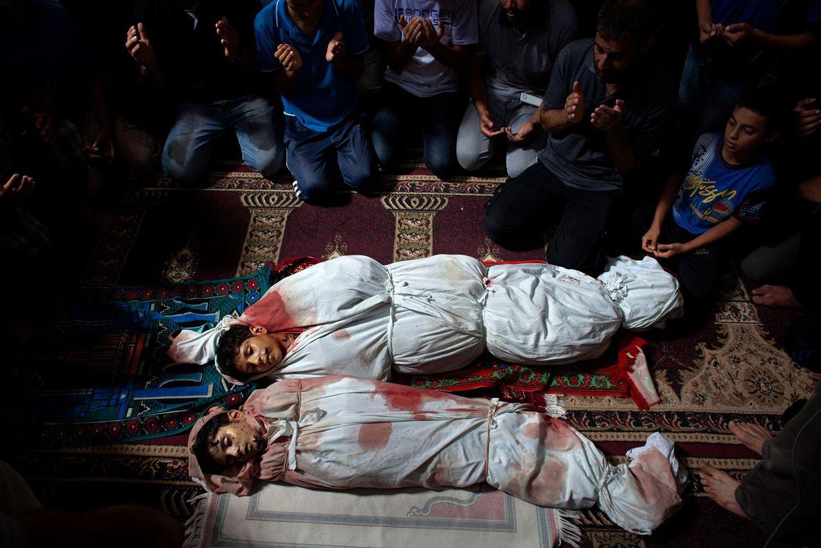 Begräbnisfeier von Amir Mustafa Arief, 15, und Mohamed Arief, 12