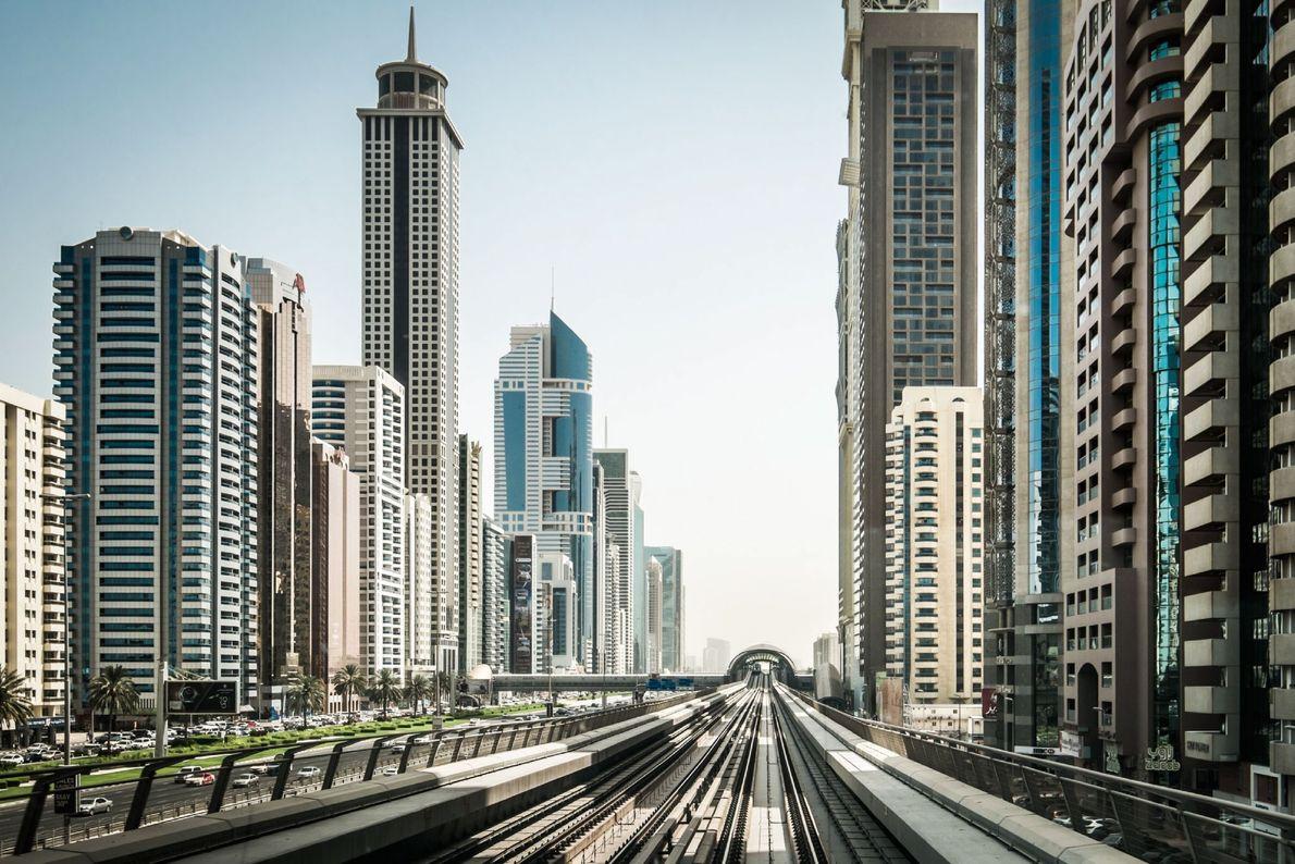 Bahnfahrt durch Dubai