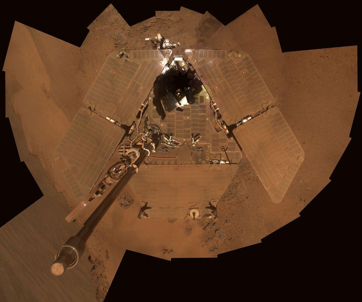 Staub auf den Solarpaneelen des Rovers