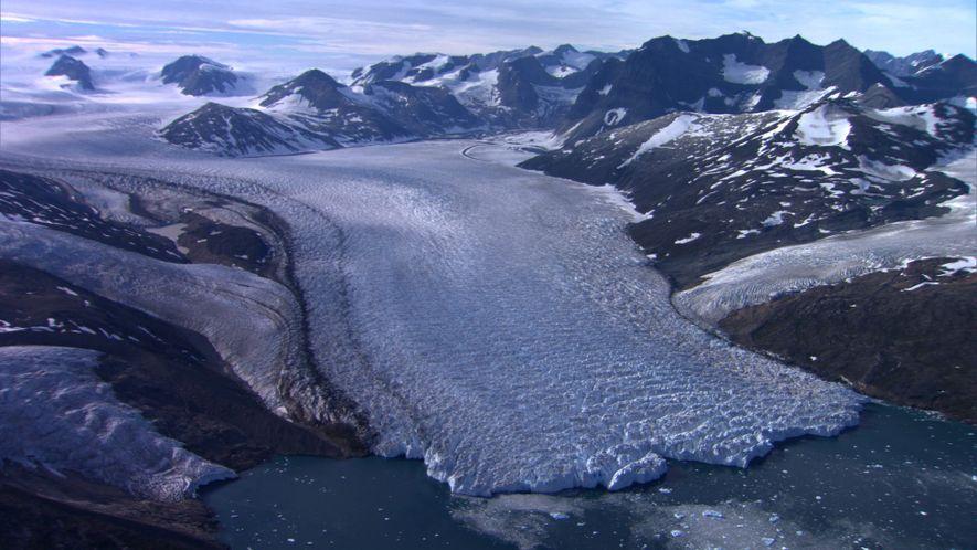 Forscher erheben sich in die Luft für einen einzigartigen Blick auf Grönland