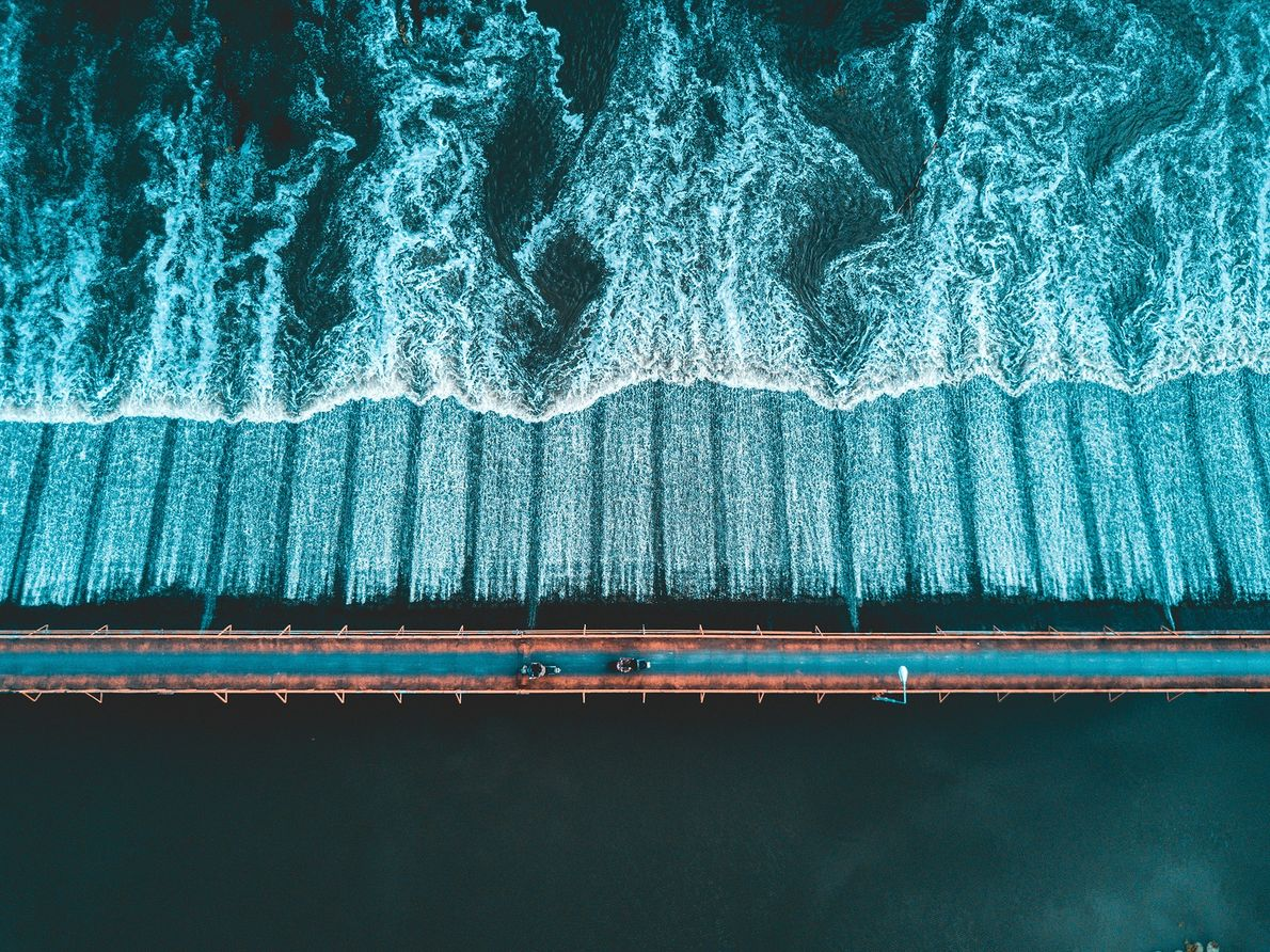 Eine Brücke über dem Fluss Ping in Thailand