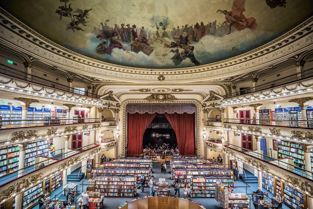 Ein Buchladen in einem alten Theater in Buenos Aires