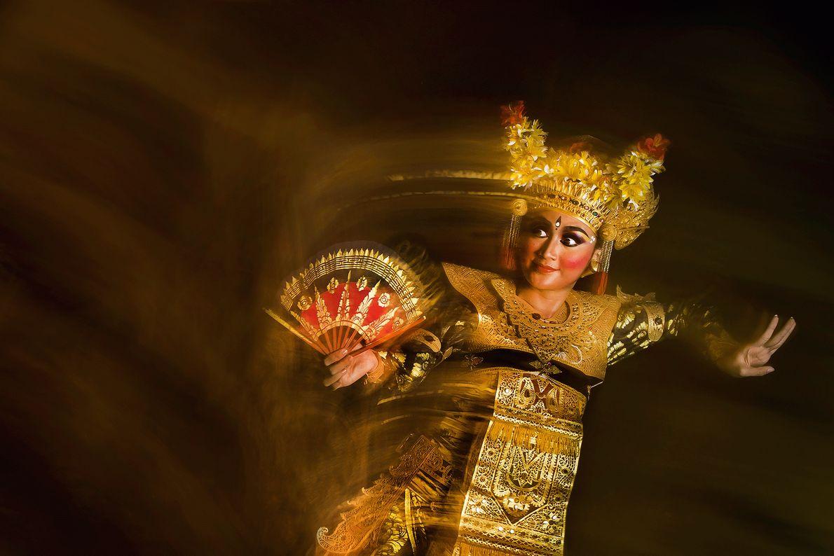 Eine Legong-Tänzerin auf Bali