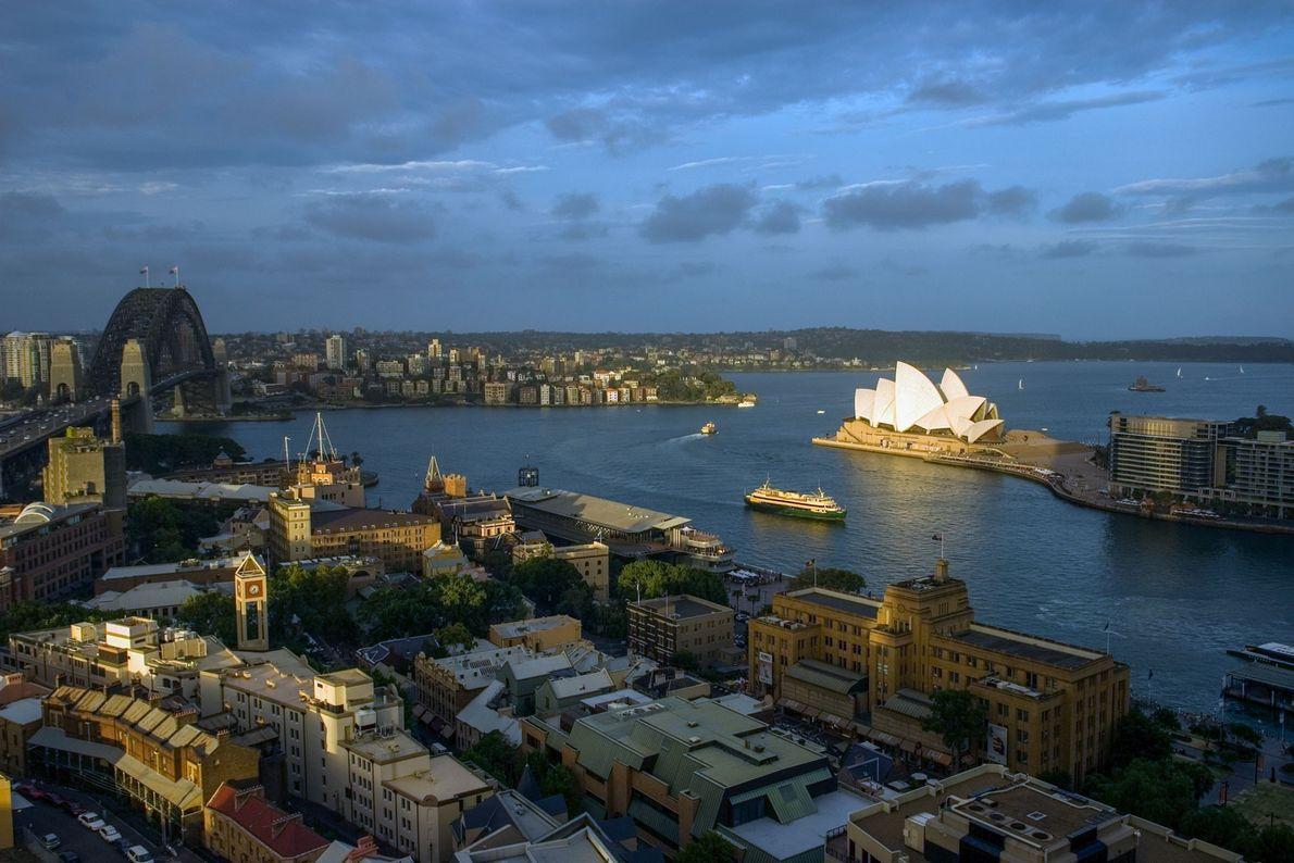 Heute ist Sydney die größte Stadt in ganz Ozeanien und seine charakteristische Oper ist weltberühmt.