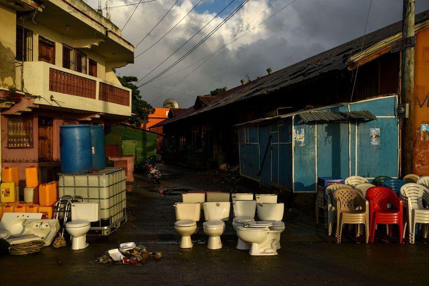 Toiletten auf Strasse