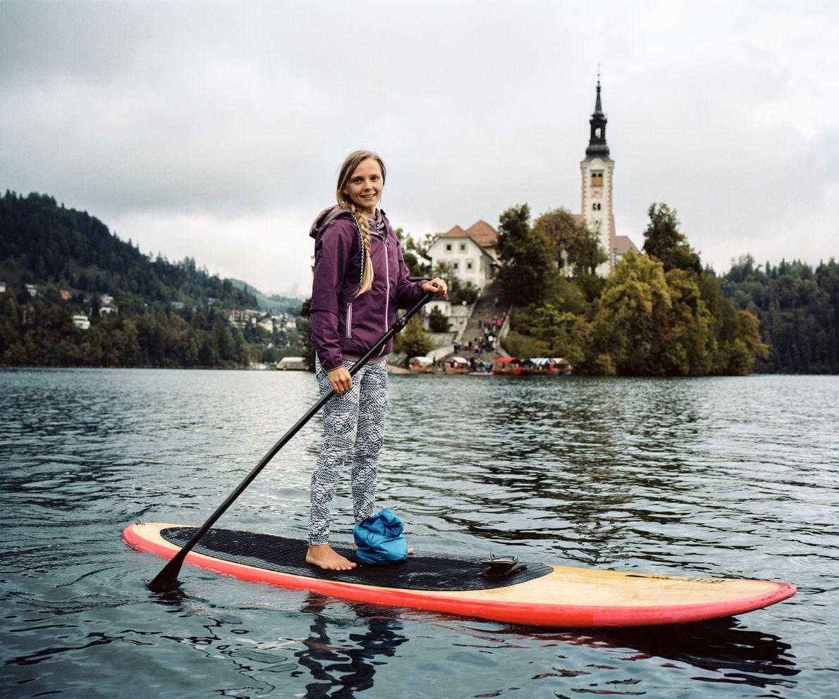 Schon seit Jahrhunderten kommen Besucher zum kristallklaren Bled, um in diesem See zu schwimmen, auf ihm ...