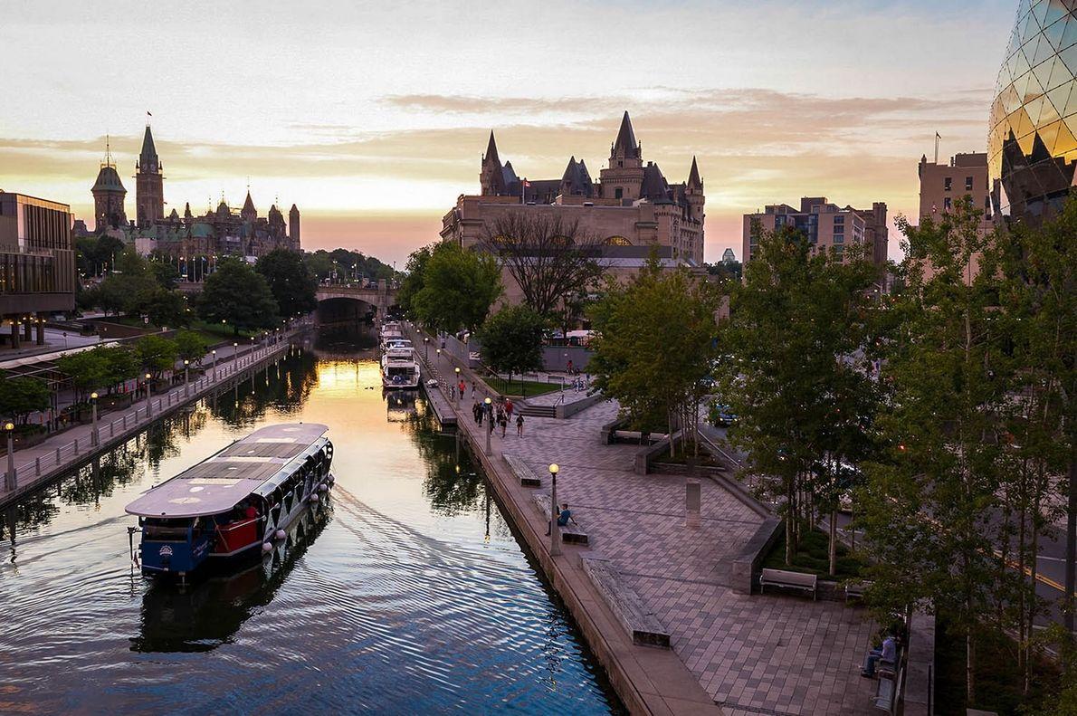 Mit dem Rideau Canal gewann Kanadas Hauptstadt Ottawa eine direkte Verbindung zwischen dem Ontariosee und dem ...