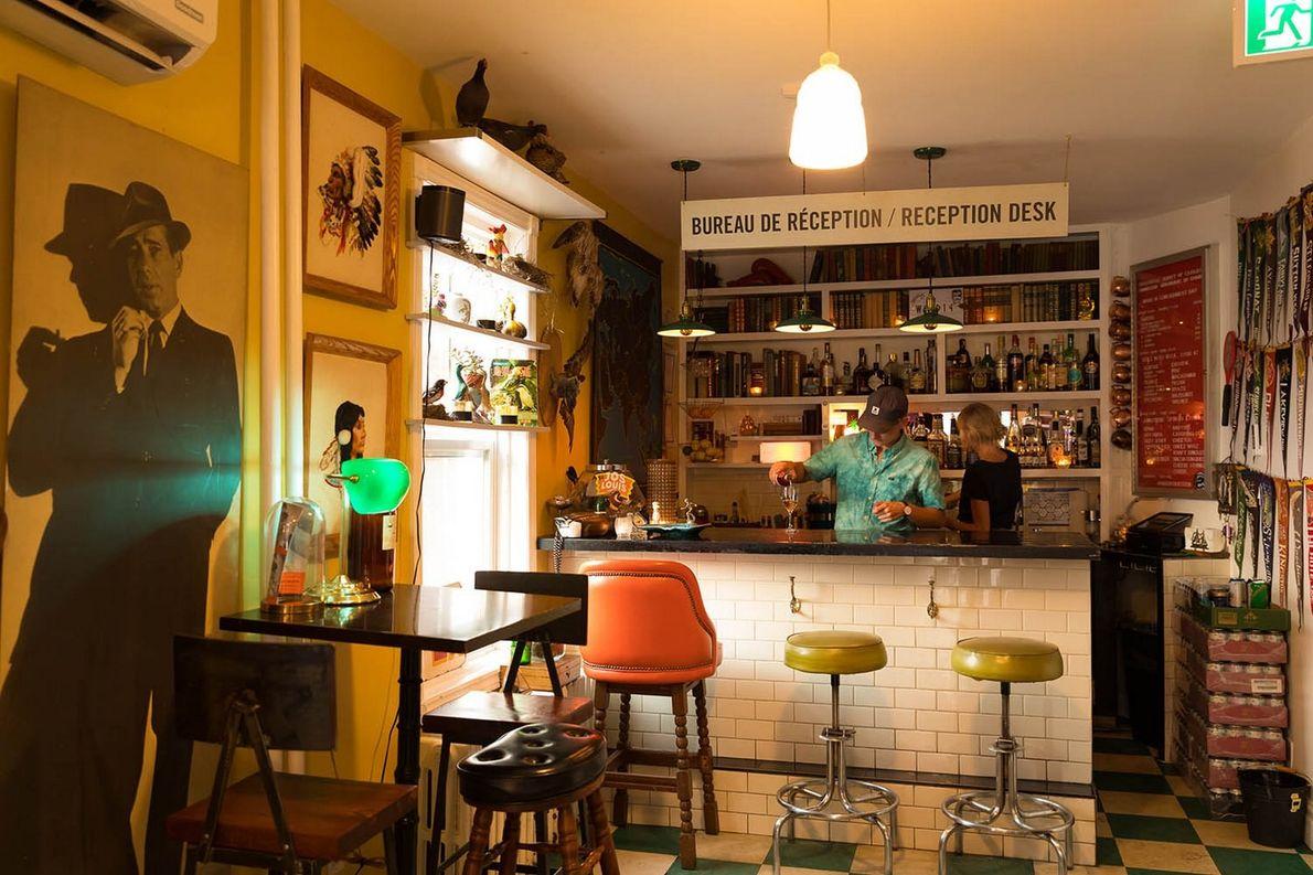 Das Ward 14 ist ein ausgefallenes Kommissionsgeschäft samt Bar, in dem Besucher beim Shoppen nach Vintage-Mobiliar ...