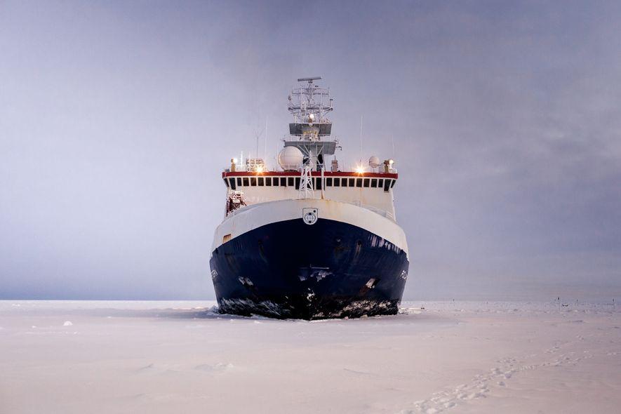 Deutsches Forschungsschiff: Ein Jahr eingefroren in der Arktis