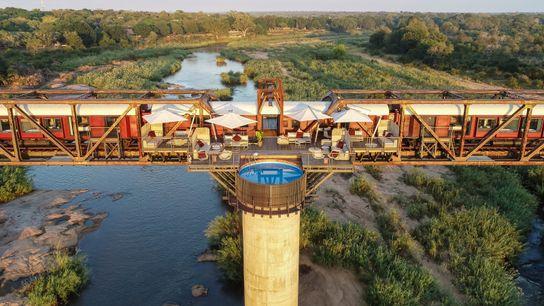 Kruger Shalati: Luxushotel in einem umgebauten Zug auf einer Brücke