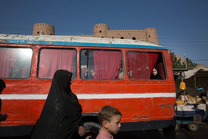 Die Zitadelle von Herat thront über der Stadt. In ihrer langen Geschichte war sie Festungsanlage, ...