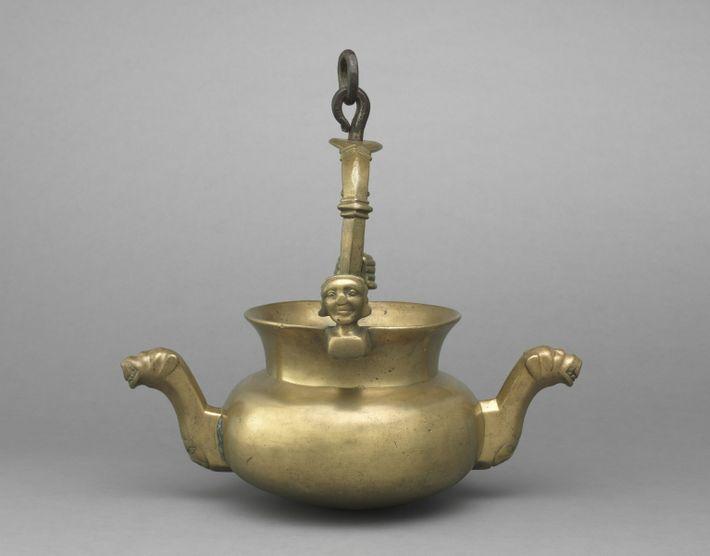 Das Lavabo ist eines von unterschiedlichen Gefäßen, die im Mittelalter für das Händewaschen verwendet wurden.