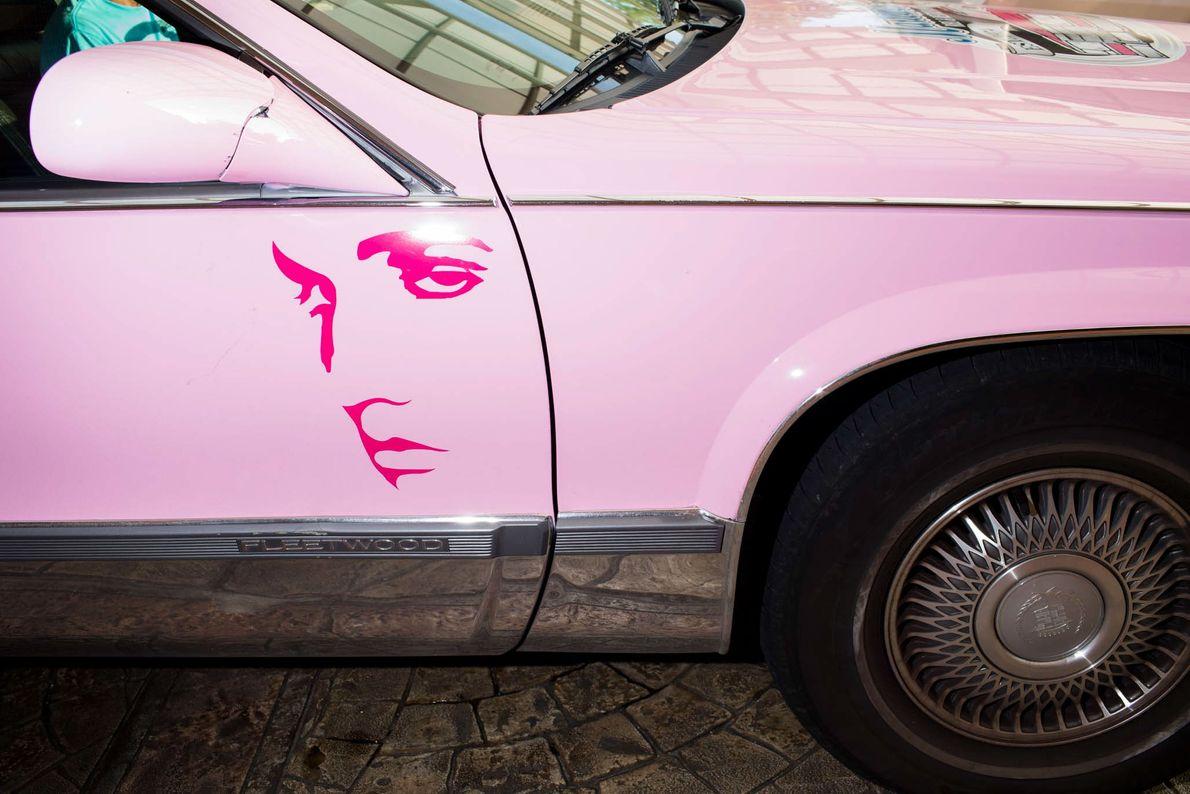 rosa Cadillac
