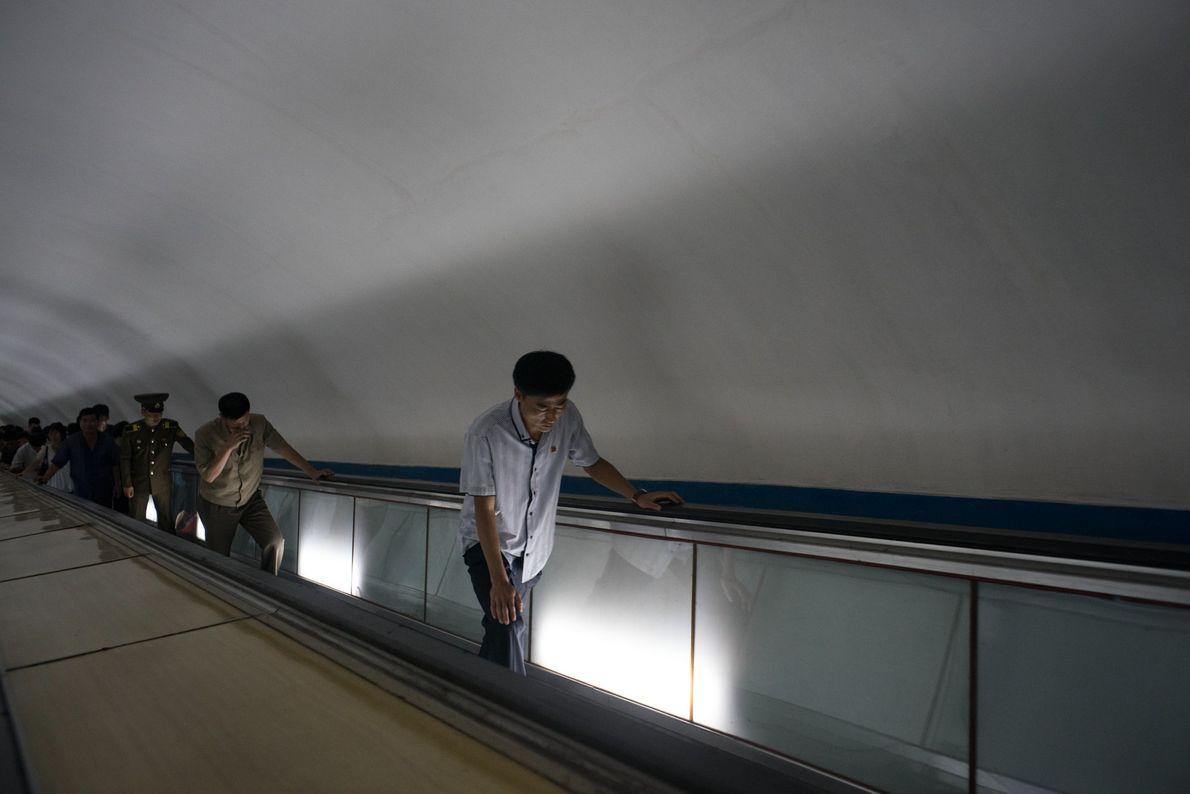 Pendler in U-Bahnstation