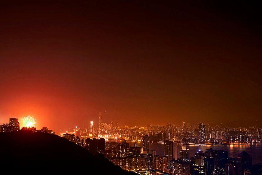 Hongkong ist seit Langem für seinen Reichtum bekannt, aber unter der schillernden Fassade liegt eine Welt aus Sargzimmern und Wohnkäfigen.