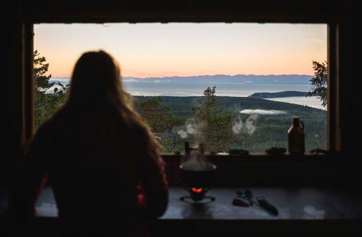 Der spektakuläre Sunshine Coast Trail führt von Sarah Point im Desolation-Sound entlang des Powell Lake bis ...