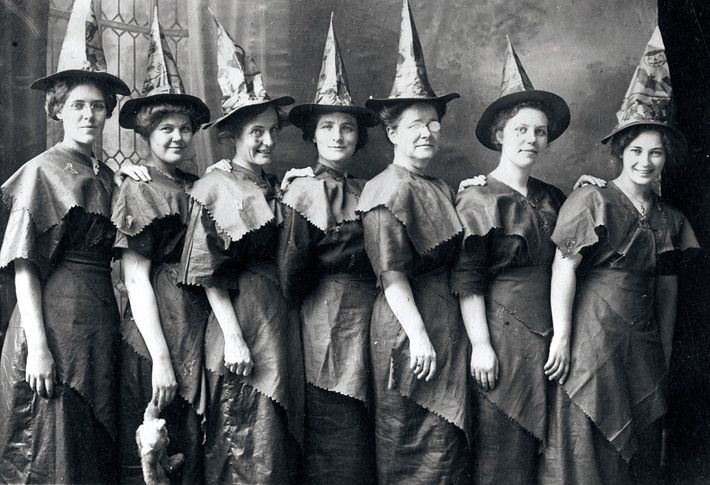 Vintage Kostüm Hexe an Halloween